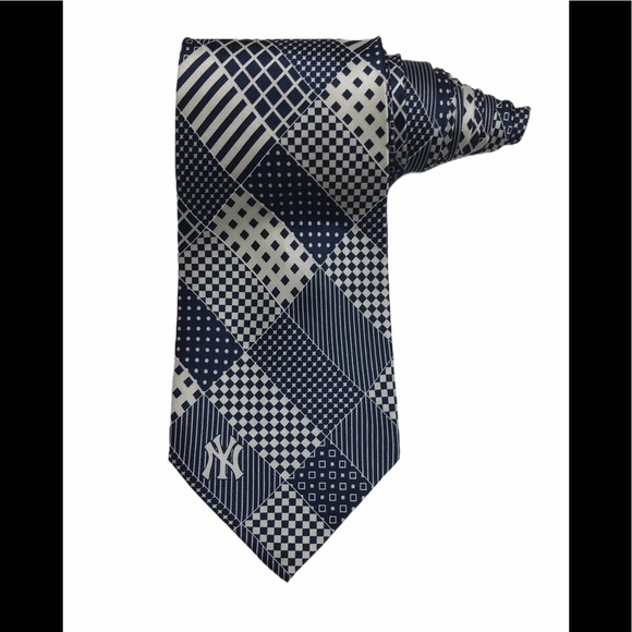 MLB Other - MLB New York Yankees Patchwork Silk Tie